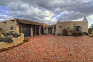 10-Calle-Venado-Santa-Fe-New-Mexico-homesantafecom-Paul-McDonald