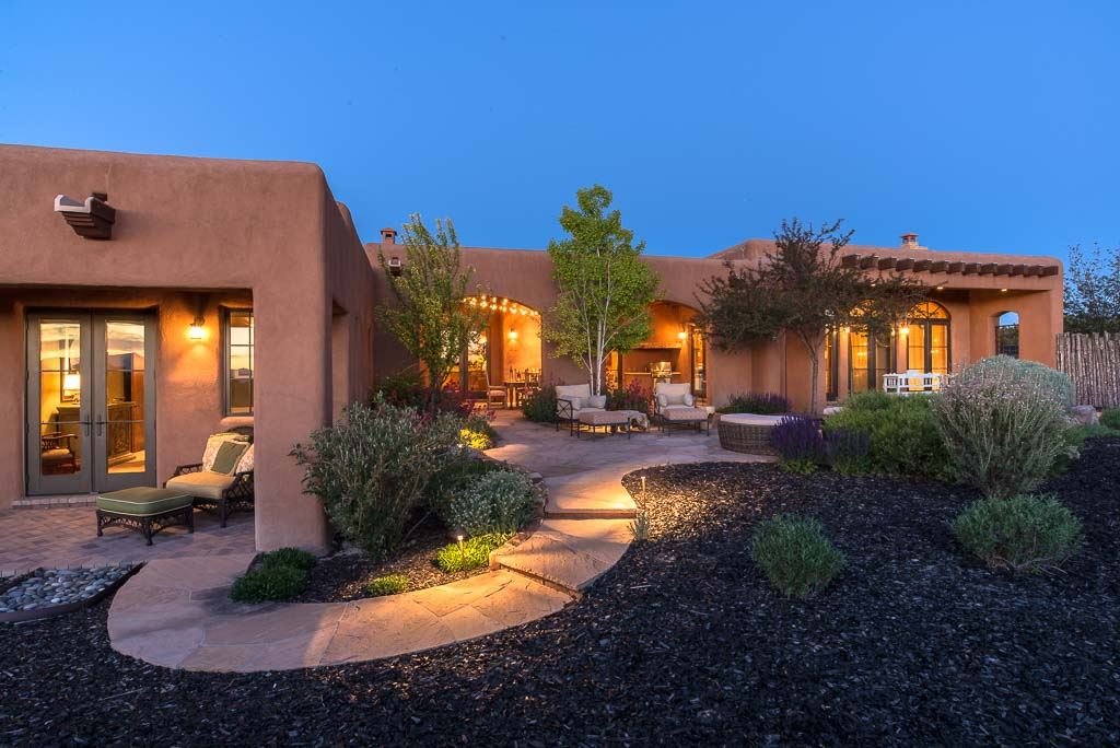 Vista redonda home santa fe for Santa fe style homes